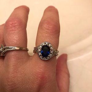 Jewelry - Beautiful dark blue oval ring